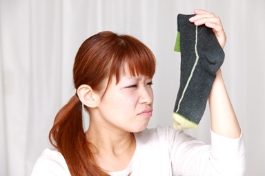 No-More-Hassles-Over-Picking-Up-Dirty-Socks